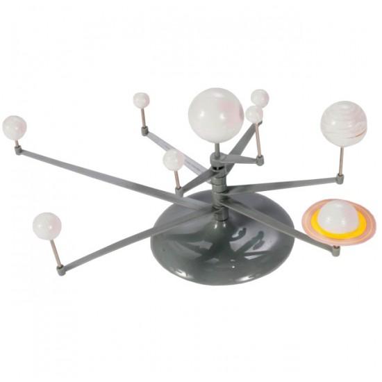 Set creativ - Sistemul solar pentru pictat, cu accesorii incluse (vopsele, pensula, vopsea fosforescenta)