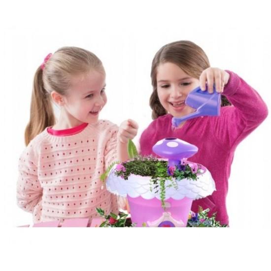 Casuta magica a zanelor, cu ciupercuta pentru irigare si plante in crestere - MalPlay